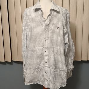 American eagle vintage fit button-down shirt
